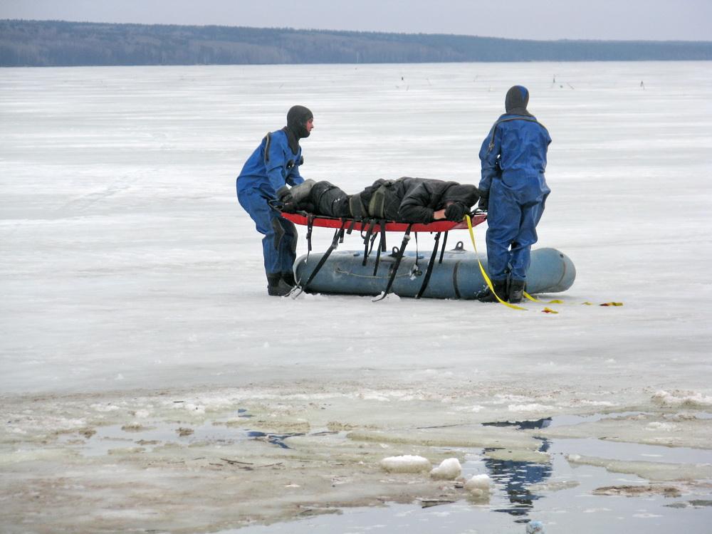 на сурском пропал рыбак
